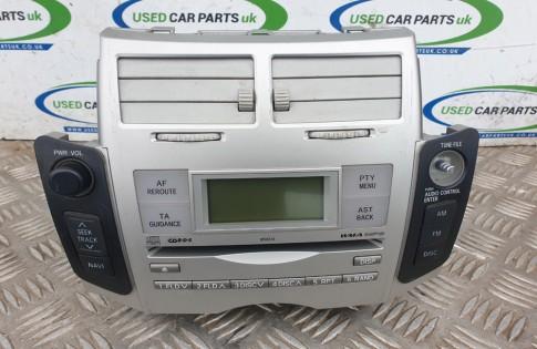 Toyota Yaris MK2 CD Player 86120-0D210 W58824