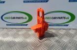 Toyota Prius MK2 1.5 VVTI electric hybrid battery cut off plug fuse